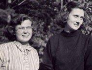 Natalie Peterson (links) und Pavey Lupton (rechts), circa 1950.